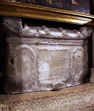 chiesa-di-san-giuliano-Rimini--tomba