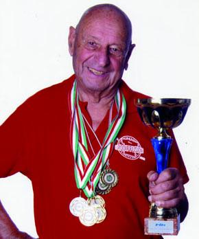 Mario De Giampietro, 88 anni e ancora tanta voglia di nuotare