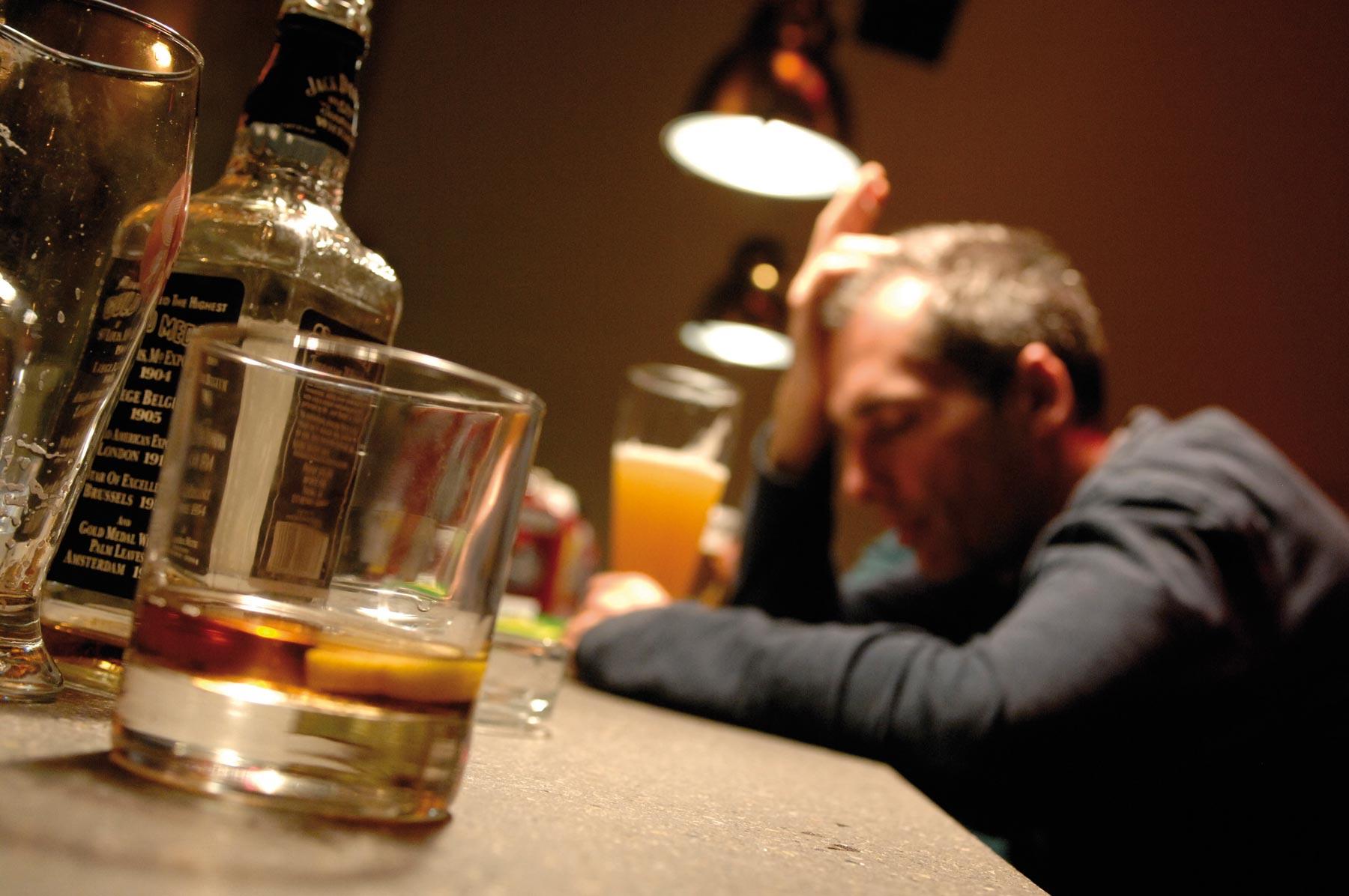 Ha bevuto la vodka dyumin un tiro dinfezione - Clinica di cura di alcolismo in Belarus