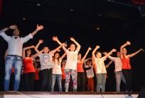 P'Arti con Dio. Evangelizzare con gioia dal palco