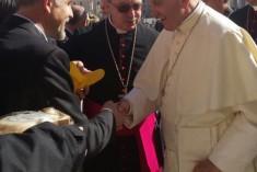 """A Papa Francesco il """"formaggio del perdono"""" di Rimini"""