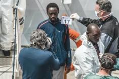 Hotspot – Migranti e diritti umani, i buchi neri  dell'accoglienza
