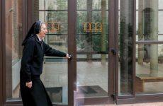 Per la prima volta un donna stretta collaboratrice del Vescovo