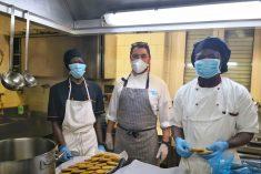 Summetrade cucina 2400 pasti a Pasqua per Caritas, APGXXIII e altri