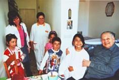 Una veste bianca per i bimbi rom