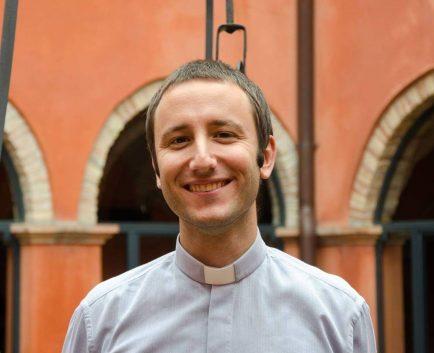 Don Stefano Battarra nuovo parroco degli Angeli Custodi di Riccione