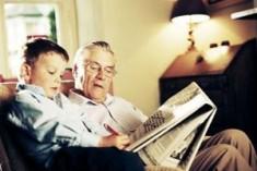 Nonni e bimbi: la storia passa di mano