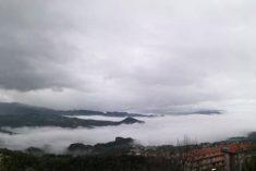 Cieli grigi in tutta la regione